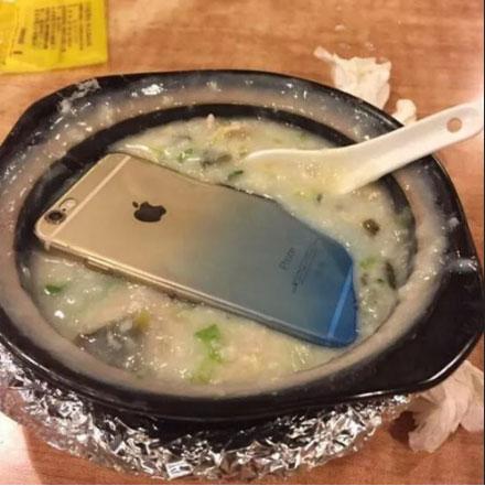 媳妇,下次吃饭就不要配这么贵的菜了,真的受不了